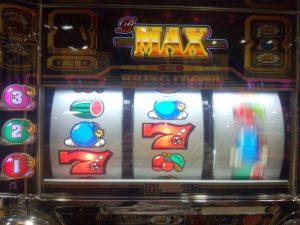 【B-MAX】赤7右上がりリーチ目